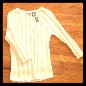 Women's Long Sleeve Sweater. NWT